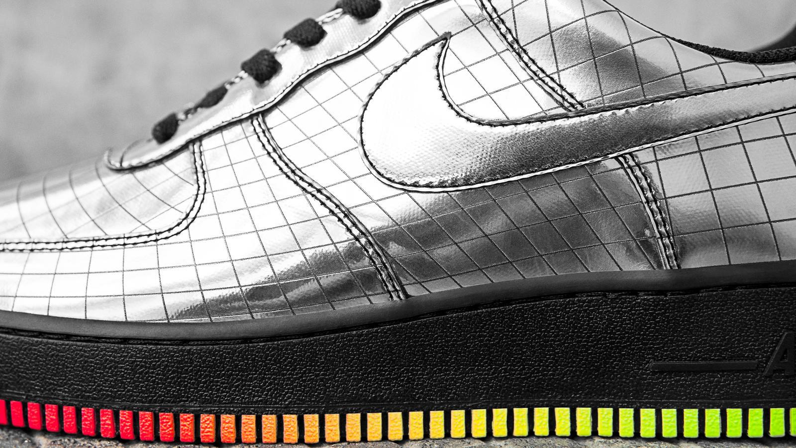 best loved 8c8eb eb8ca En un momento en el que se diseñan zapatillas para Kanye, Kendrick Lamar,  The Weeknd o Rihanna, Nike da un giro de 180º con una zapatilla para Elton  John, ...